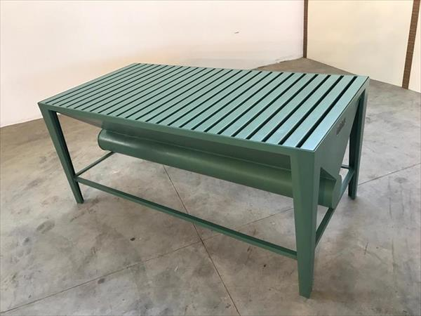 Suction benches for sanding