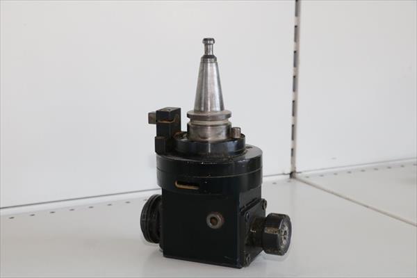 Agrégat pour transmission angulaire CNC