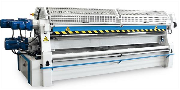 Automatic gluing machine 4 rolls and 4 motors