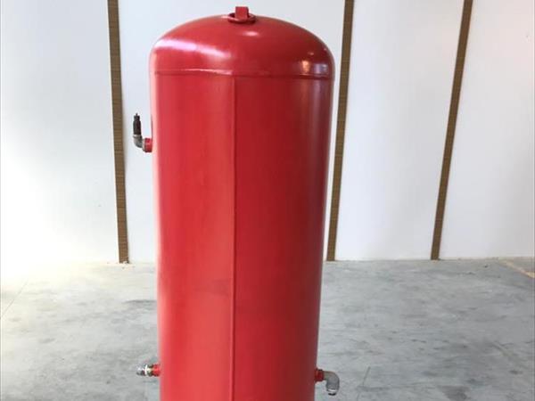 Réservoir d'air comprimé de marque Fini