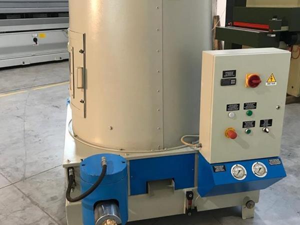 Machine à briquettes Comafer mod. Dinamique