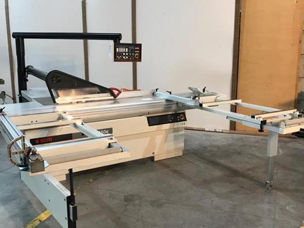 Srovnávací stroj SI 450 E.